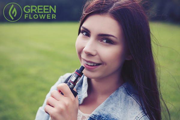 girl with vaping pen